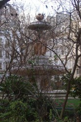 Grande fontaine Louvois  ou Fontaine des fleuves  – Paris (75002)