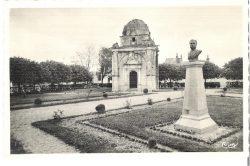 Monument à Charles Bidault (Fondu) – Bléré