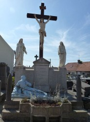 Monument aux morts – calvaire – Guemps