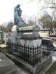 Sépulture de la famille de Aviles – Cimetière du père Lachaise – Paris (75020)