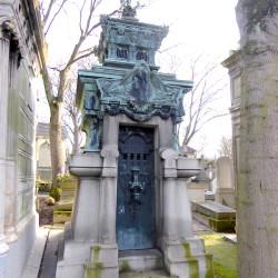 Chapelle sépulcrale de la famille Henry Molz – Cimetière du Père Lachaise – Paris (75020)