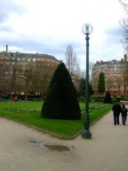 Lampadaires  – Square Sarah Bernhardt – Paris (75020)