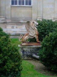 Griffons (paire) – Amiens