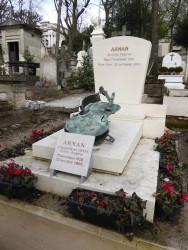 Sépulture Arman – Cimetière du Père-Lachaise – Paris (75020)