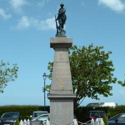 Monument aux morts – Rue Bord de Mer – Saint-Benoît-des-Ondes