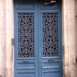 Porte d'immeuble – Rue de la Fidélité – Paris (75010)