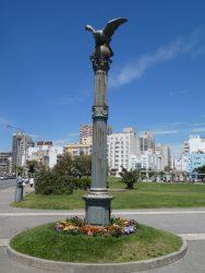 Colonne surmontée d'un aigle – Plaza España – Mar del Plata