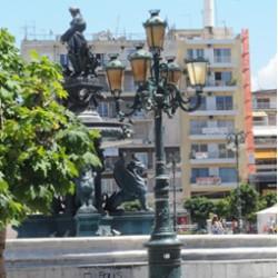 Patras Greece. Oeuvres d'art: les deux lampes françaises de J.J. Dusel et Fils, à Patras