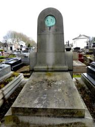 Tombe Stuart Merrill – Cimetière du Père Lachaise – Paris (75020)