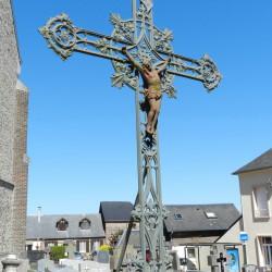 Croix de cimetière et fonte funéraire – Cimetière – Ypreville-Biville