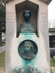 Buste et médaillon de la sépulture Raspail – Cimetière de Montparnasse – Paris (75014)