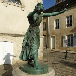 statue de colin-maillard  belleme