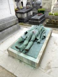 Tombe de Victor Noir – Cimetière du Père-Lachaise – Paris (75020)