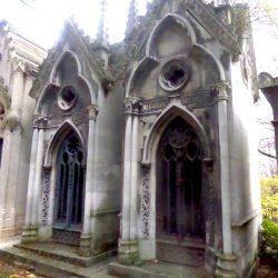 Chapelles sépulcrales gothiques (2) – Division 36 – Cimetière du Père-Lachaise – Paris (75020)