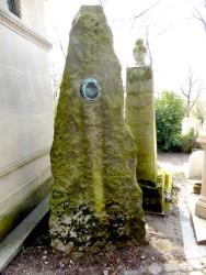 Tombe Edmée Savoire – Cimetière du Père Lachaise – Paris (75020)