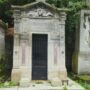 Portes de chapelles sépulcrales  - Division 30 - Cimetière du Père Lachaise - Paris (75020) - Image12