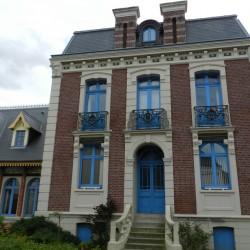 Balcons (3) – Maison dite Villa Henri, actuellement mairie – Mers-les-Bains