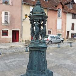Fontaine Wallace – place de la Comédie – Lons-le-Saunier