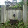 Entourages de tombes, croix et corbeille - Division 18 - Cimetière du Père Lachaise - Paris (75020) - Image15
