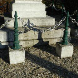 Entourage de tombes – Attancourt
