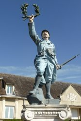 Monument aux morts   – Piney