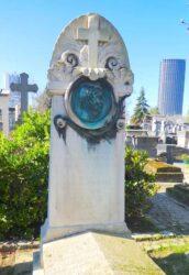 Médaillon de la sépulture Jean-Marie Leroux – Cimetière de Montparnasse – Paris (75014)