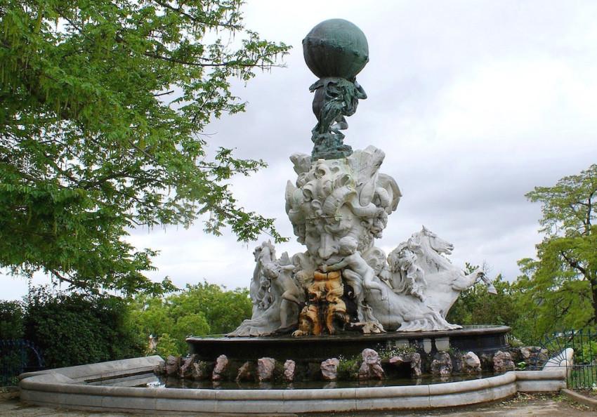 Fontaine Du Titan Beziers Image