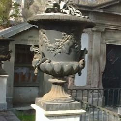 Vases (2) – Cementerio general – Santiago de Chile