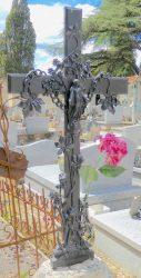 Croix méplates aux iris (7) – Cimetière de la ville – Cahors