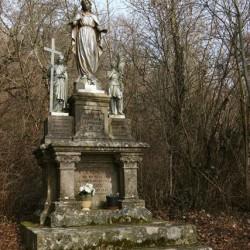 Statues , Vierge, St Marguerite , Jeanne d'Arc – Greux