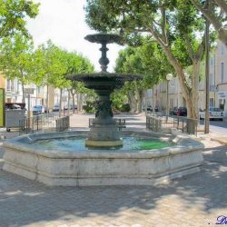 Vasque-fontaine – Pertuis