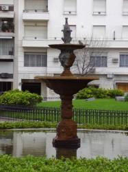 Fuente – Fontaine – Plaza Pellegrini – Buenos Aires