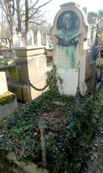 Médaillon de Davrigny – Cimetière de Montmartre   – Paris 75018