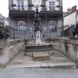 Fontaine aux lions – Lions (2) – Vitré