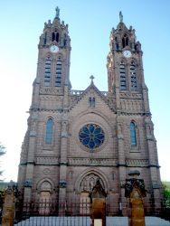 Statues de la Vierge et de Saint Joseph -Tours de l'Église paroissiale – Espalion