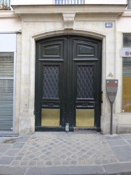 Ornements  de porte – 46 rue Meslay – Paris (75003)