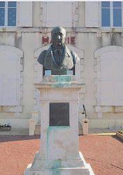 Monument à Jacques Bujault – Tauché – Aigondigné