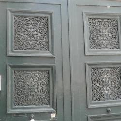 Panneaux de porte – 9 Place Sainte-Croix – Orléans