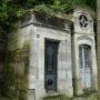 Portes de chapelles sépulcrales  - Division 30 - Cimetière du Père Lachaise - Paris (75020) - Image13