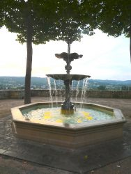 Fontaine – Place de l'Abbaye – Terrasson-Lavilledieu