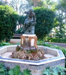 Fontaine  Ninfa de la caracola : jeune fille à la conque – Málaga