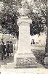 Monument au Général Charles Thoumas (fondu et remplacé) – Laurière