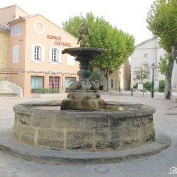 Vasque-fontaine – Sainte-Cécile-les-Vignes