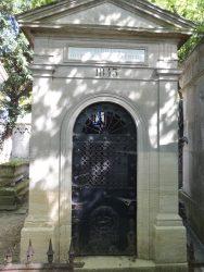 Portes de chapelles sépulcrales (3) – Division 26 – Cimetière du Père Lachaise – Paris (75020)