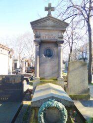 Médaillon de la sépulture Étienne Bigot – Cimetière de Montparnasse – Paris (75014)