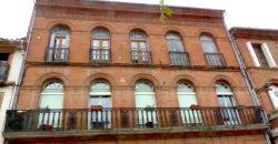 Balcons et heurtoir – Place de la Raison – Castelsarrasin