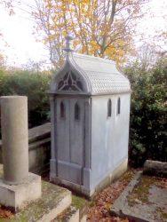 Chapelle sépulcrale de la famille Piéron – Juillerat – Cimetière du Père Lachaise – Paris (75020)
