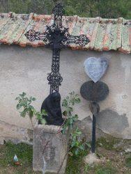 Croix funéraires – Cimetière – Villemontais