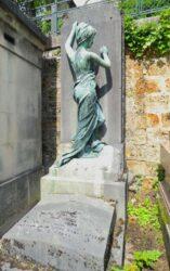 Statue de la sépulture Keller – Cimetière du Père-Lachaise – Paris (75020)