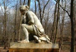 Vénus accroupie dite Vénus pudique – Parc de Chantilly – Chantilly